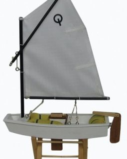 OPTIMIST MAQUETA DE MADERA